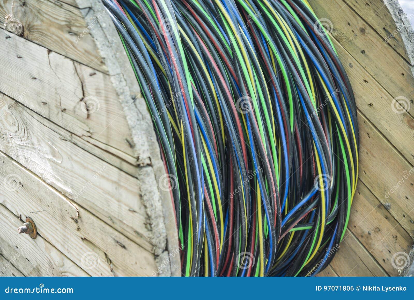 Fein Klammern Für Elektrische Kabel Ideen - Schaltplan Serie Circuit ...