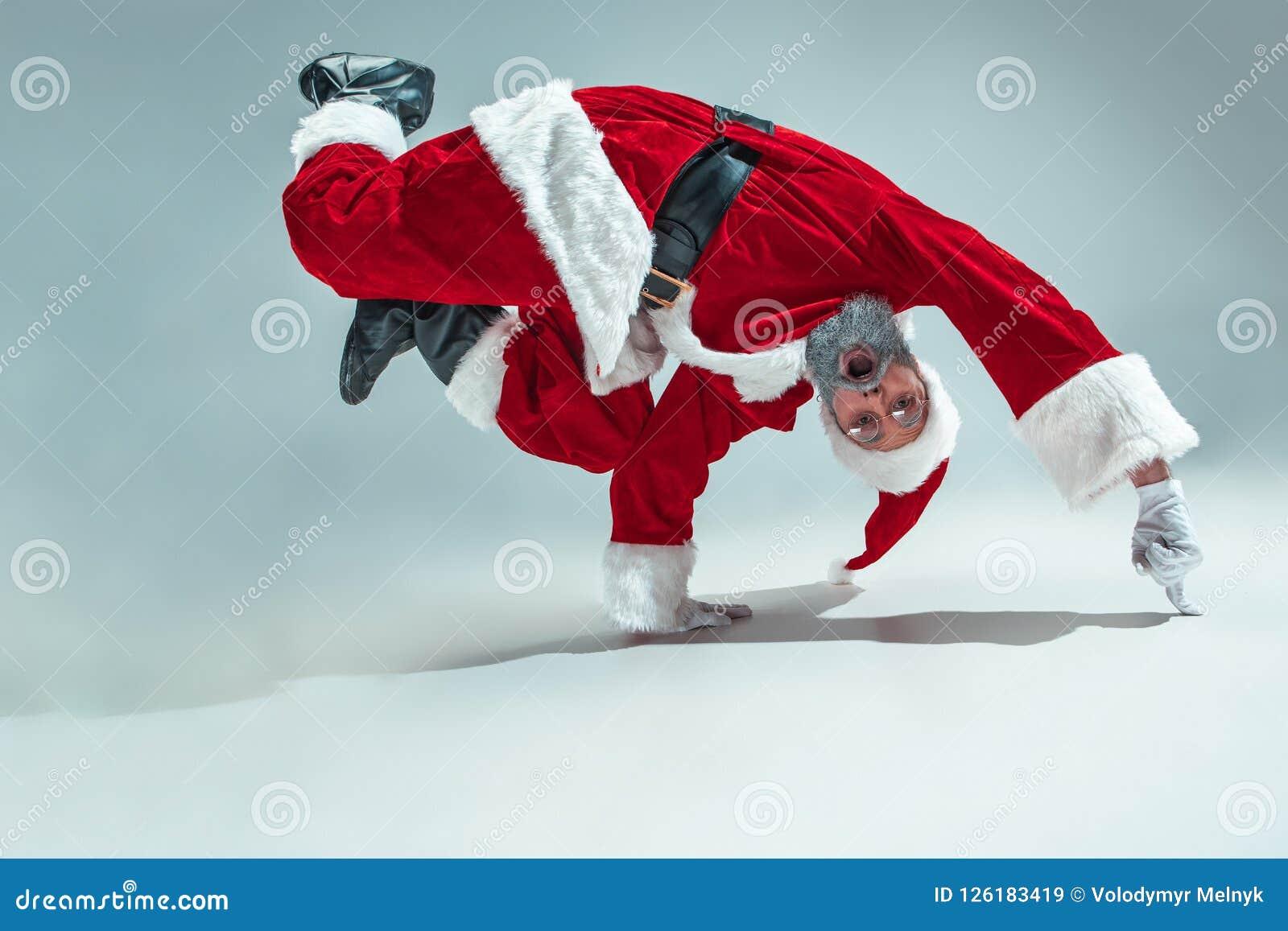 Rolig grabb i julhatt Ferie för nytt år Jul x-mas, vinter, gåvabegrepp
