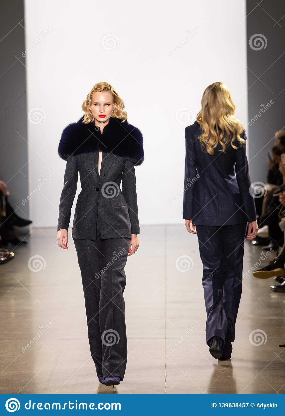 Rollbahnshow Zang Tois FW19 als Teil dort des New York Fashion Week