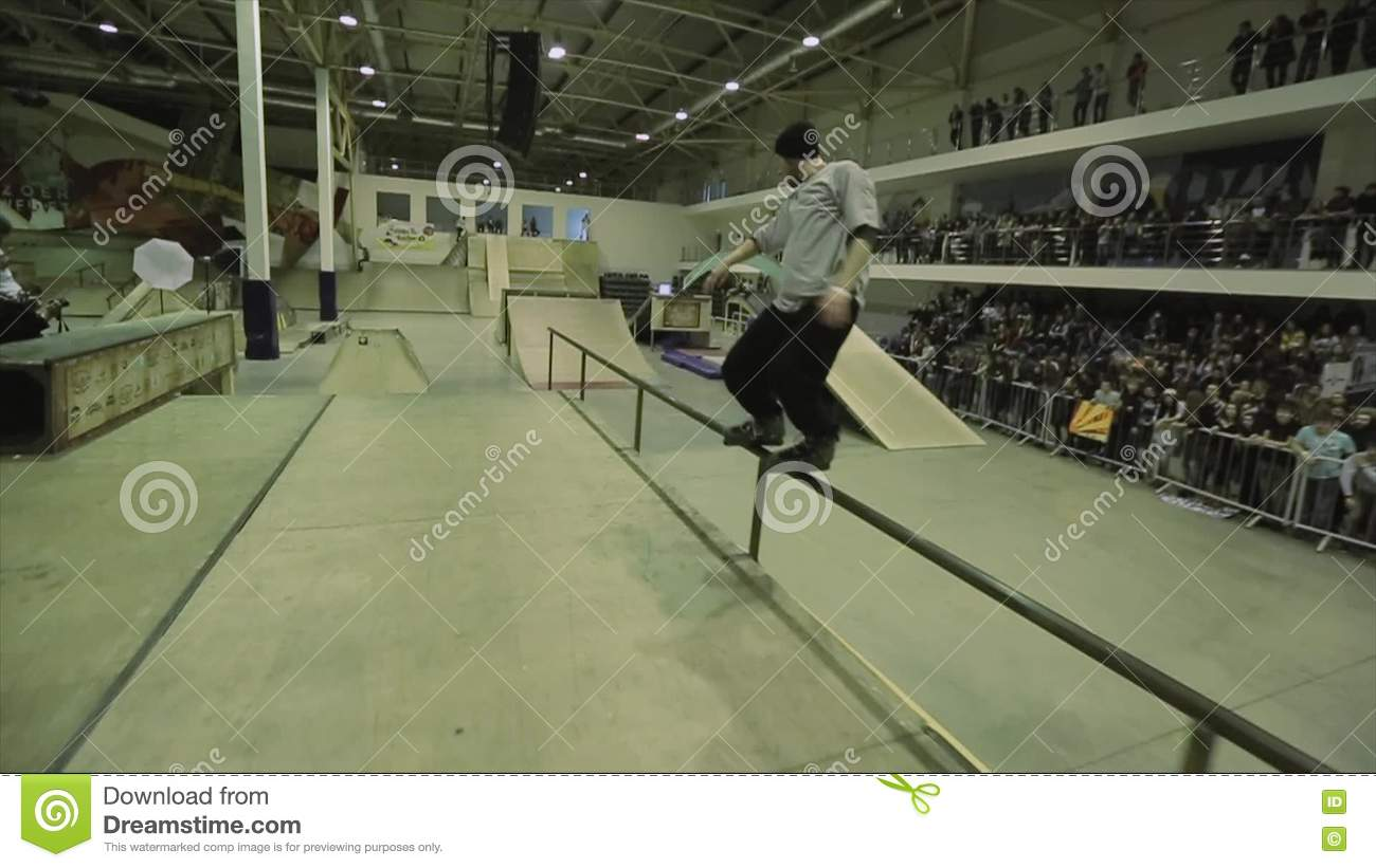 Roller skate xtreme - Roller Skater In Hat Ride On Fence Jump Grab Foot In Air Extreme Hobby Competition In Skatepark Stock Video Video 72126897