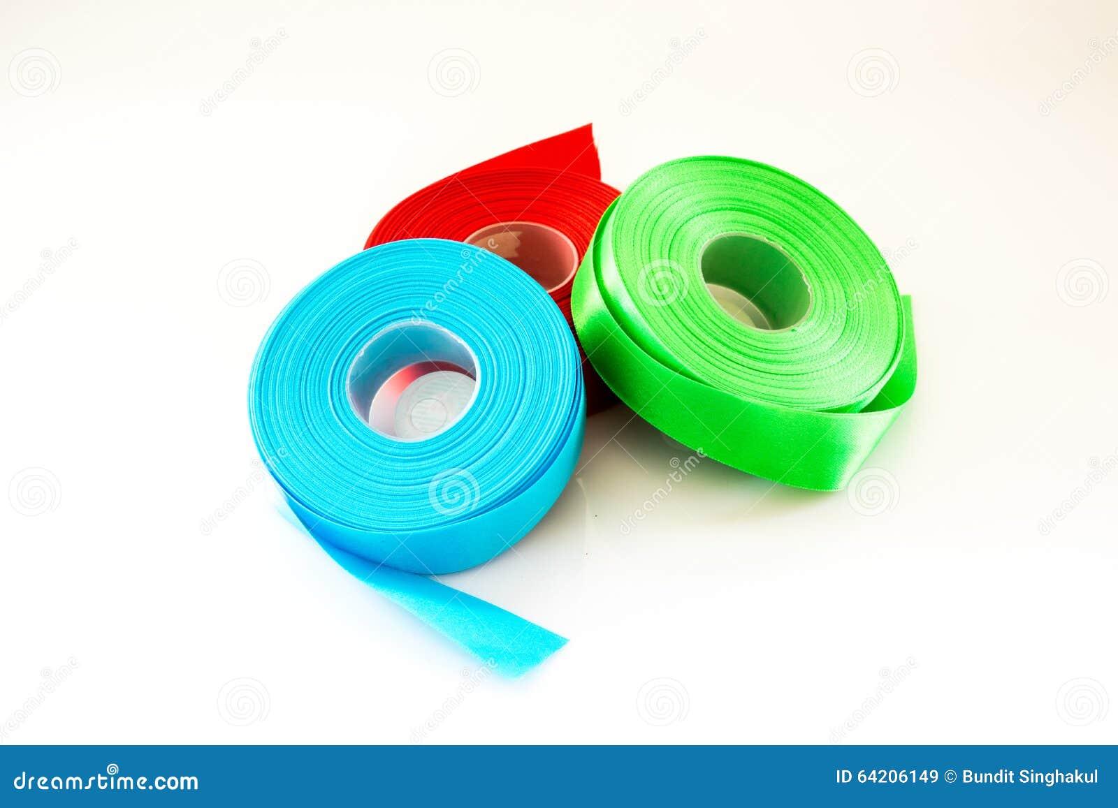Rollo azulverde rojo de la cinta aislado