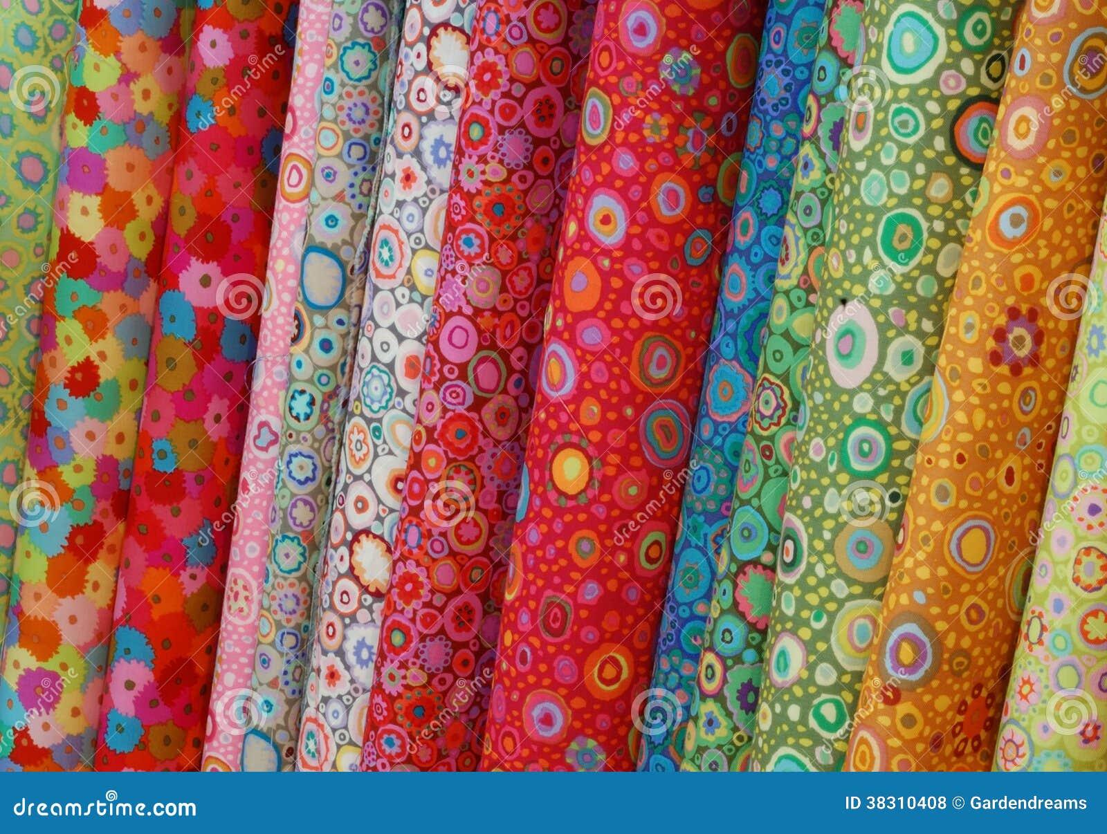 Rolls des tissus imprim s color s - Tissus bohemes colores ...
