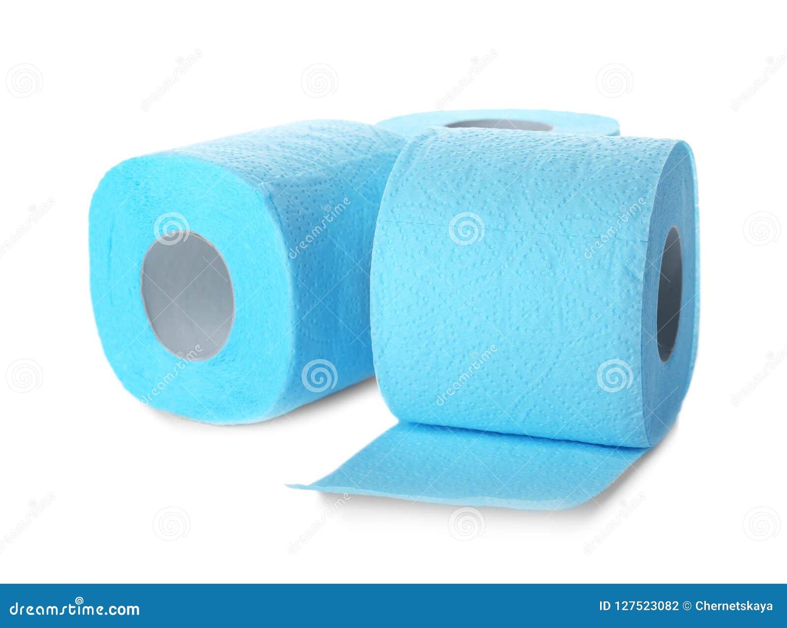 Rolls do papel higiênico no fundo branco