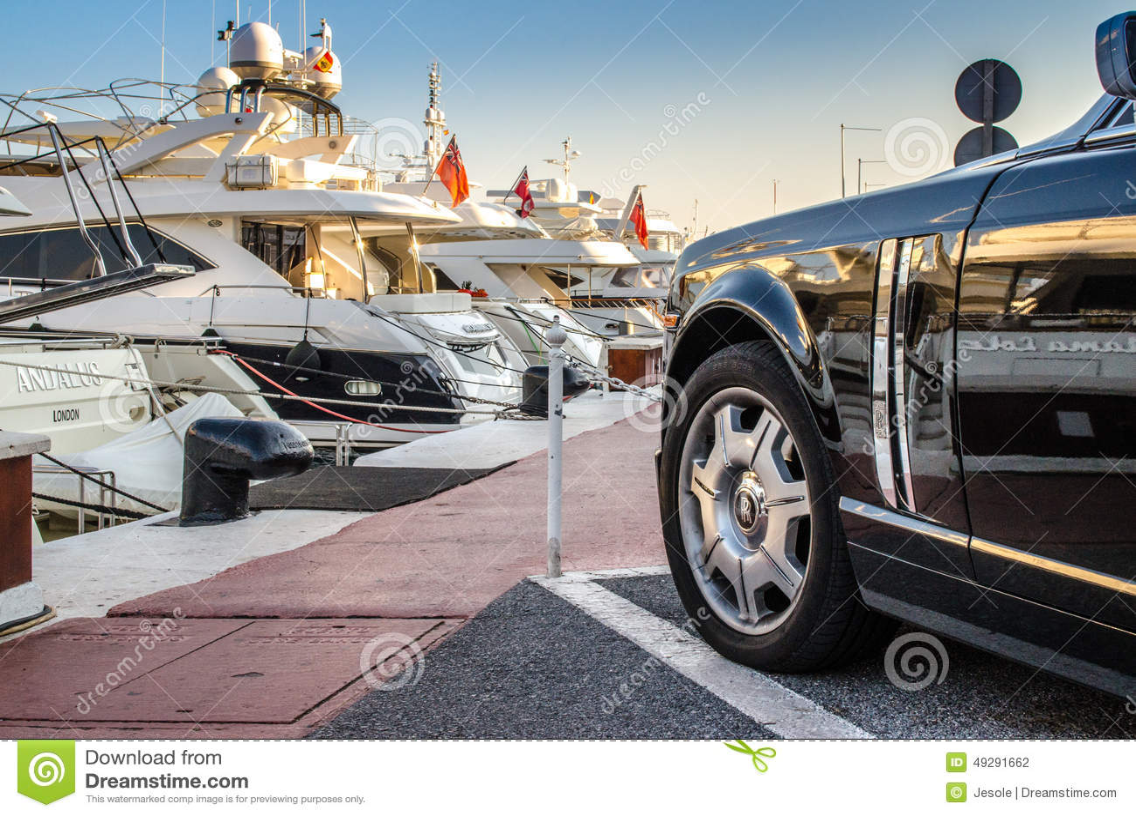 Rolls Royce parkerade i Puerto Banus, Marbella