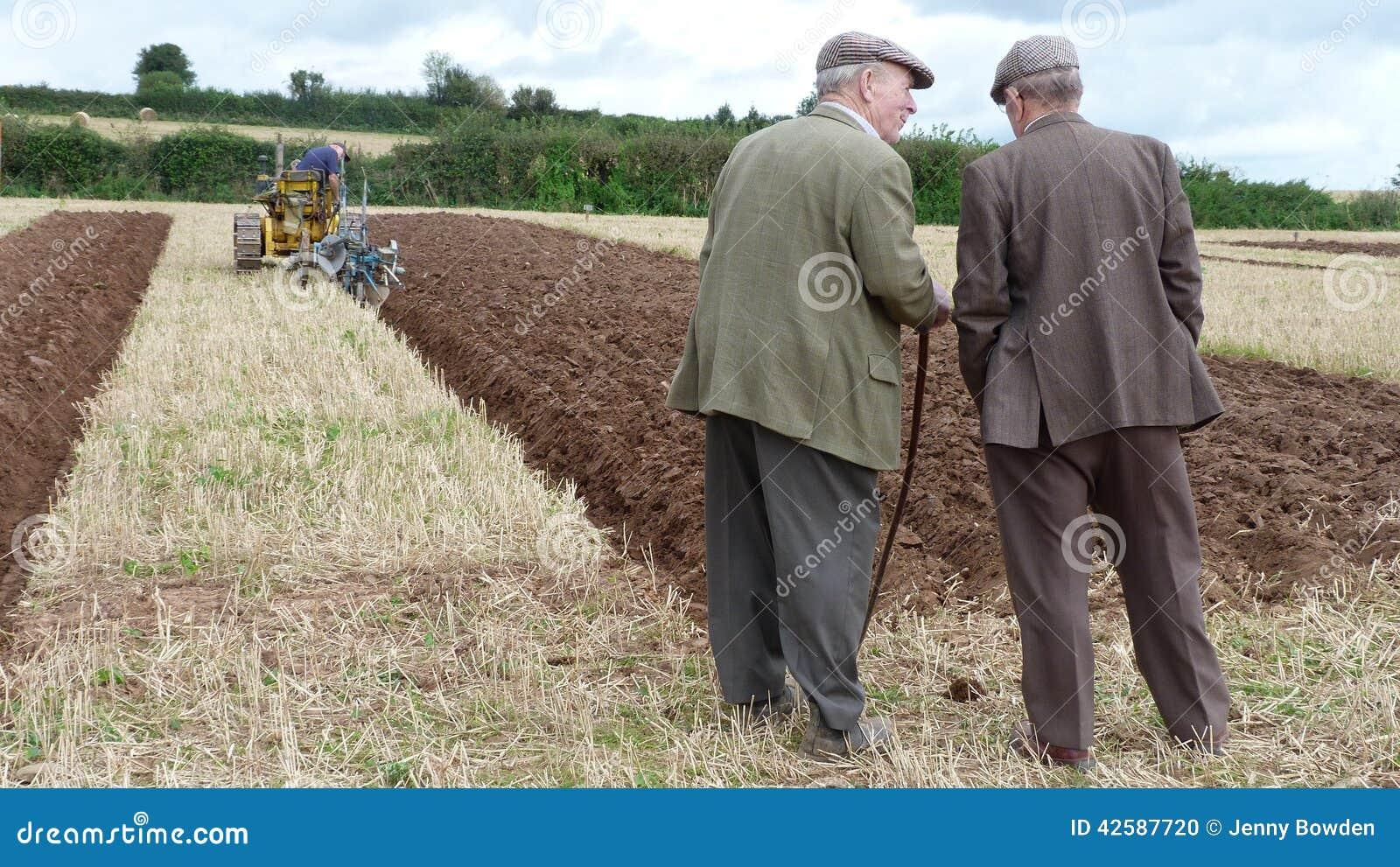 Rolnicy przy zaorki dopasowaniem