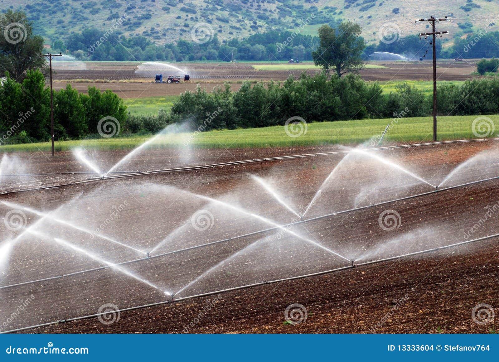 Rolniczy irygacyjni poziomy