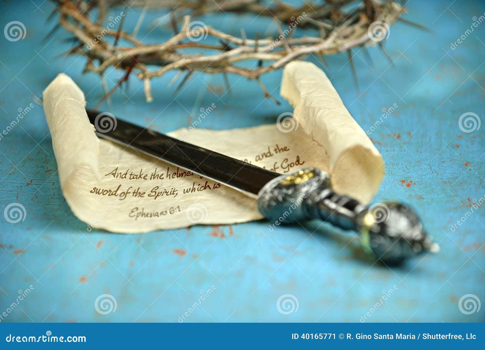 Rolo da espada e coroa de espinhos