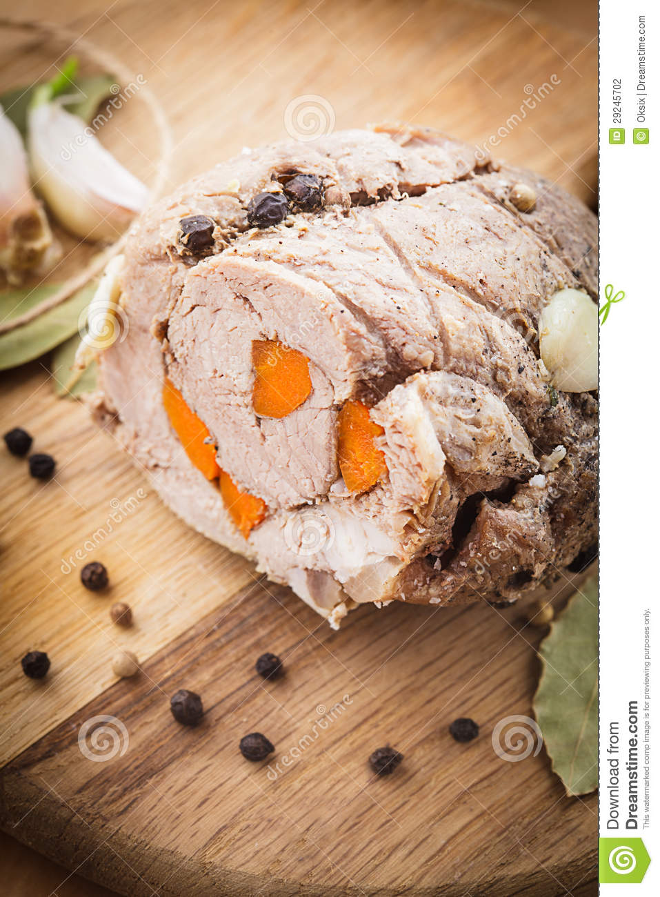 Download Rolo de carne Roasted foto de stock. Imagem de garlic - 29245702