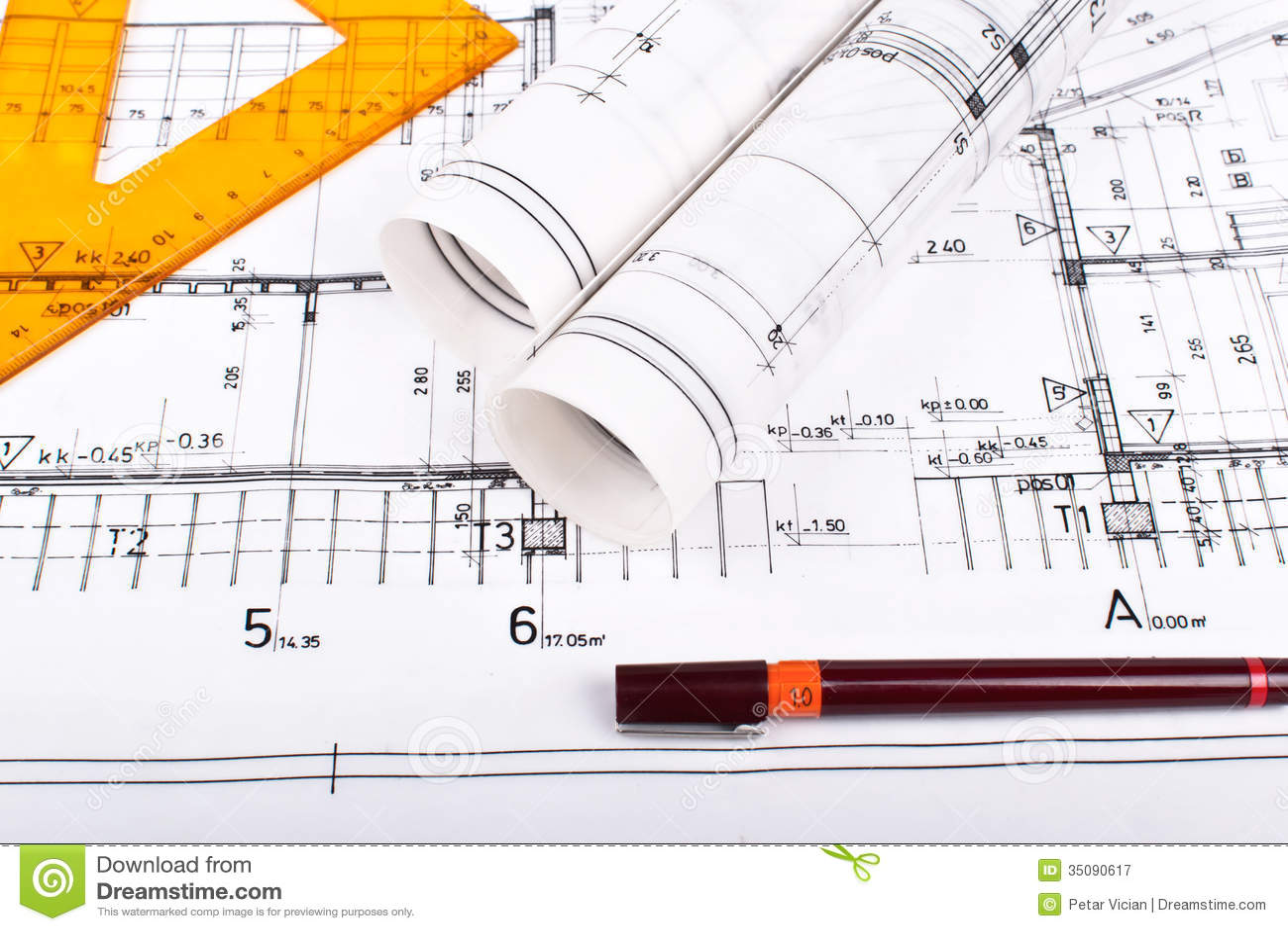 Rolos e planos do arquiteto