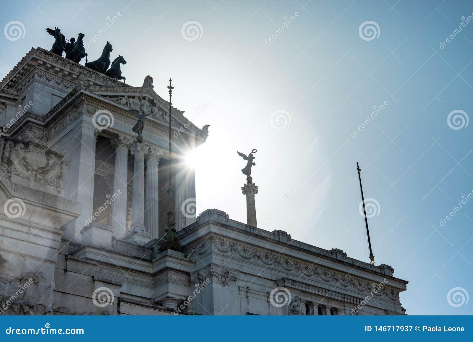 ROM, Italien: Überraschende Ansicht des Altars des Vaterlands, Altare-della Patria, bekannt als das Nationaldenkmal zu Victor Emm