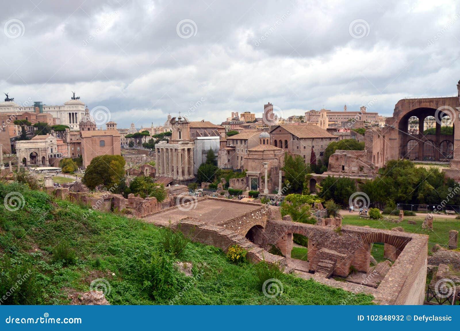 Romański forum od palatynu wzgórza w Rzym, Włochy