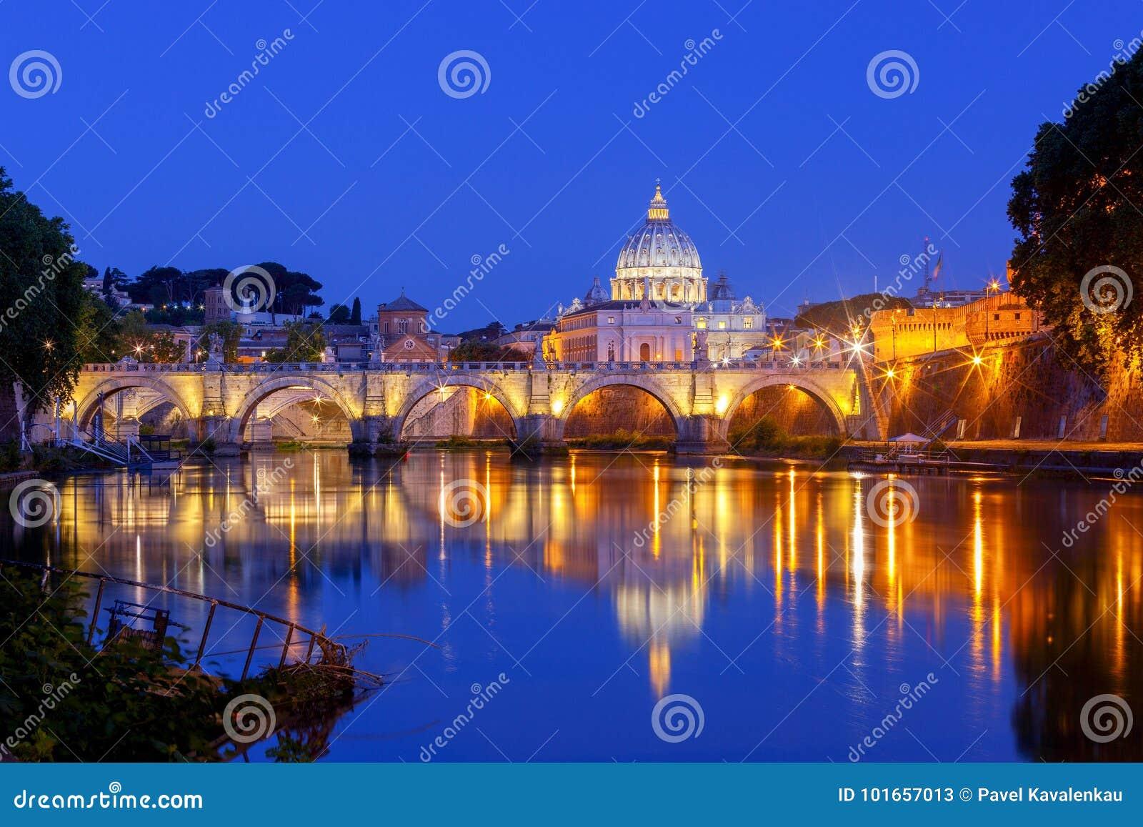 Roma Catedral do ` s do rio e do St Peter de Tibre