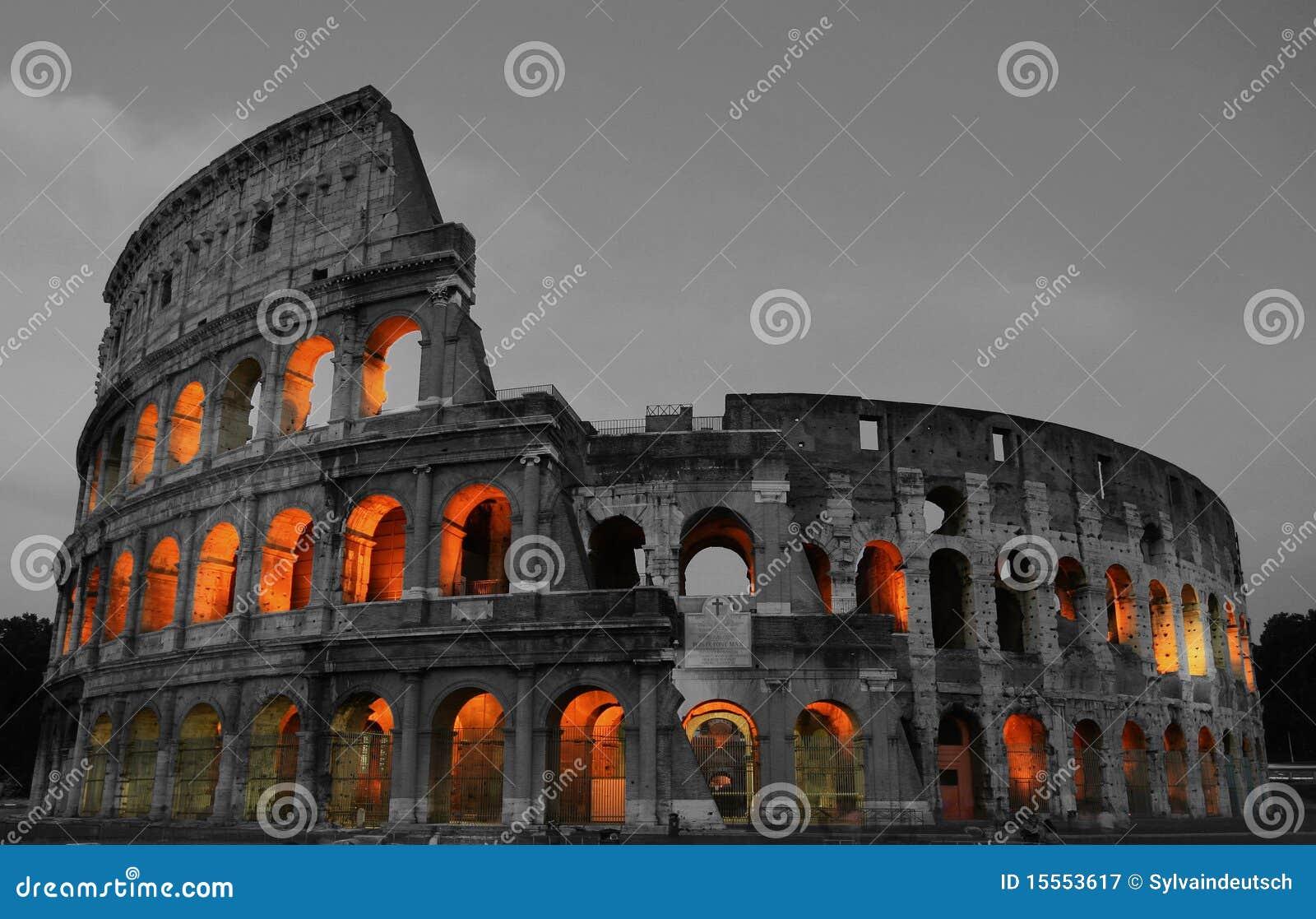 Roma Colosseum en la noche