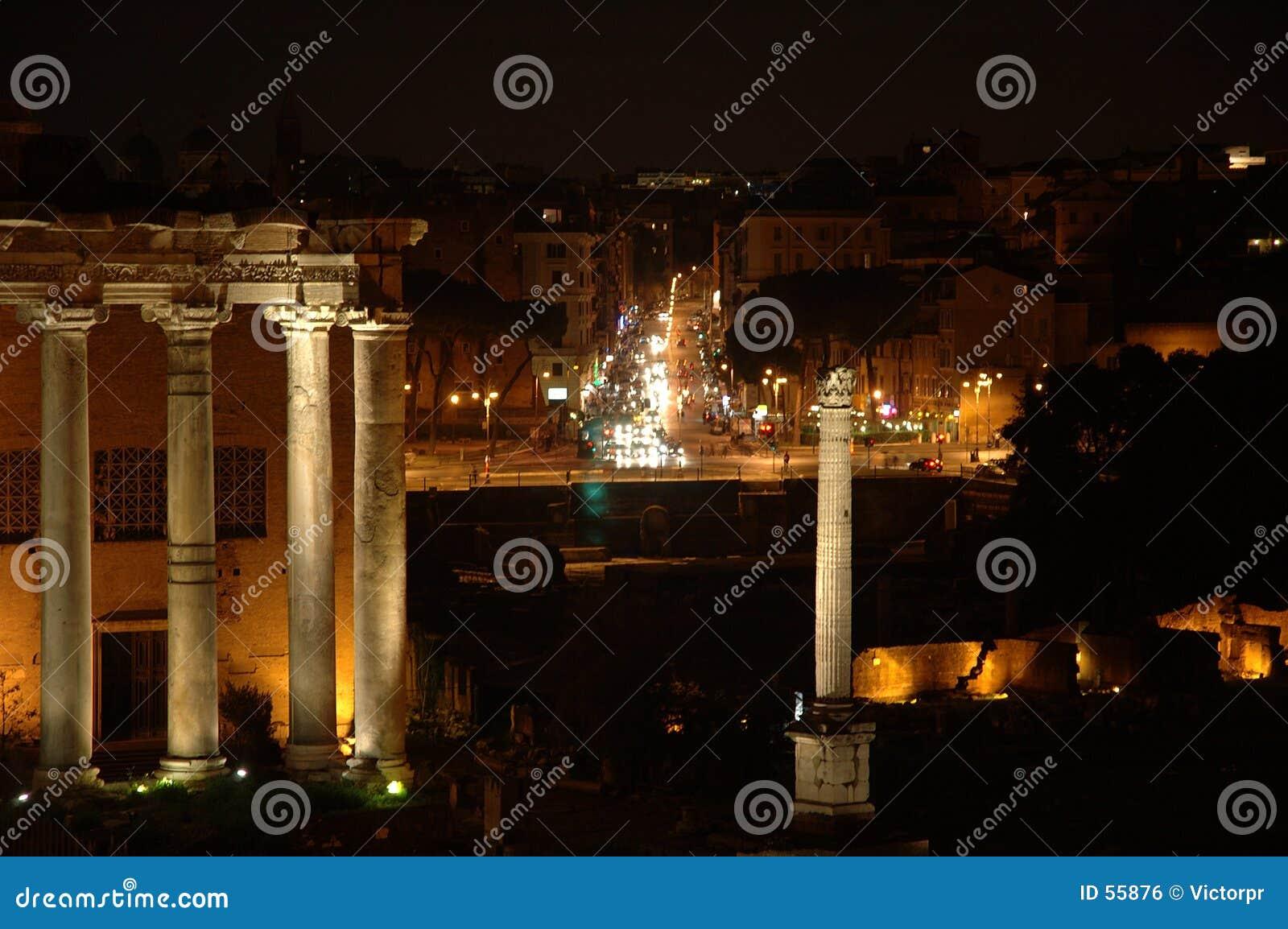Roma en la noche