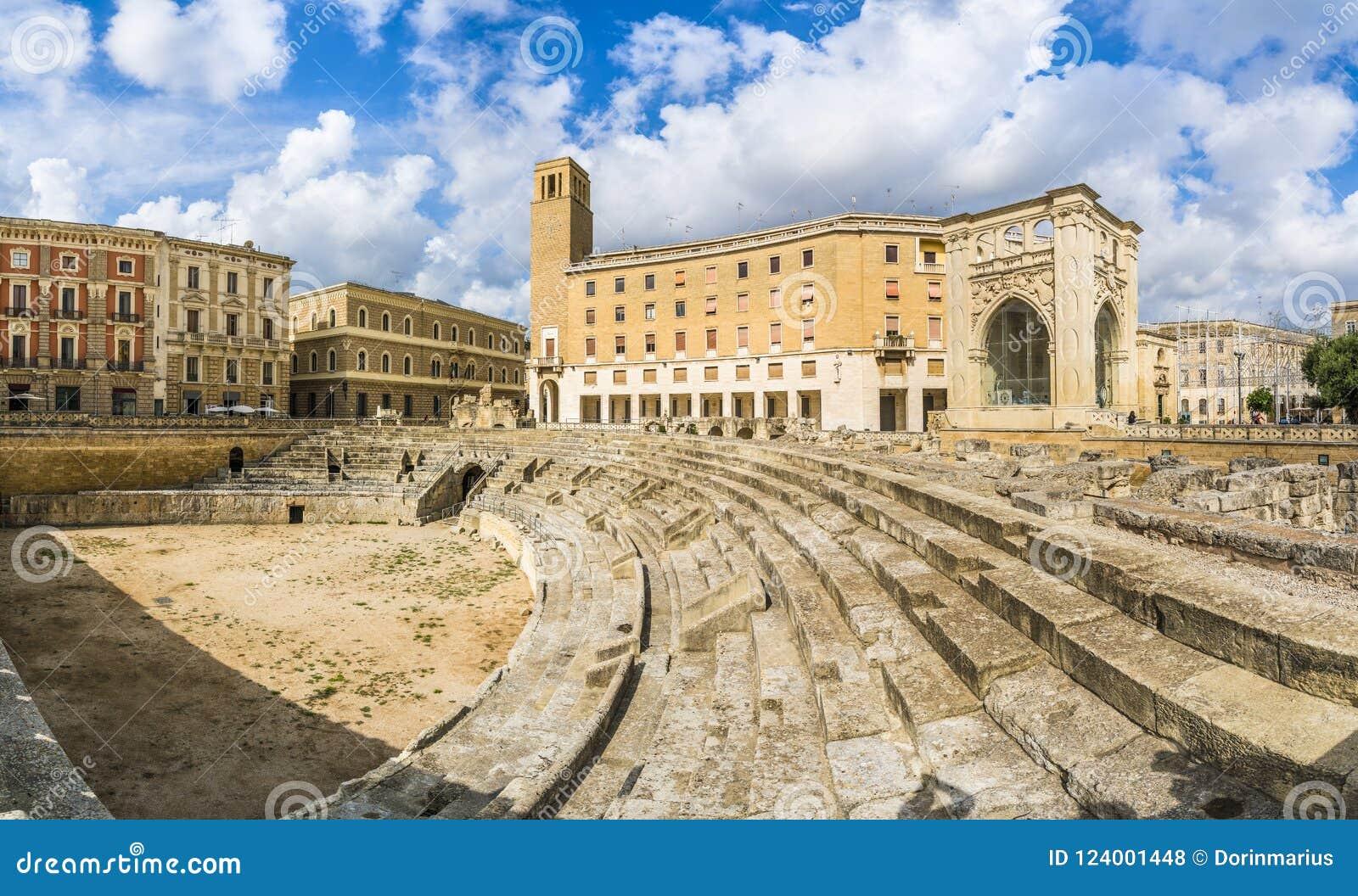 Roman Amphitheatre antigo em Lecce, região de Puglia, Itália do sul