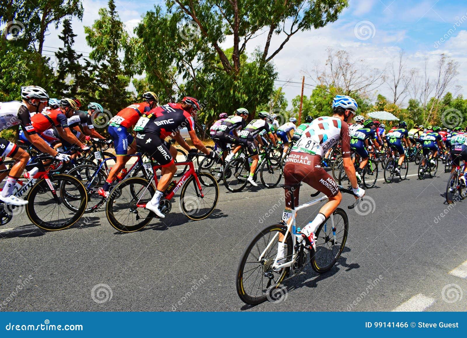 Roman Bardet In The Peleton La Vuelta España