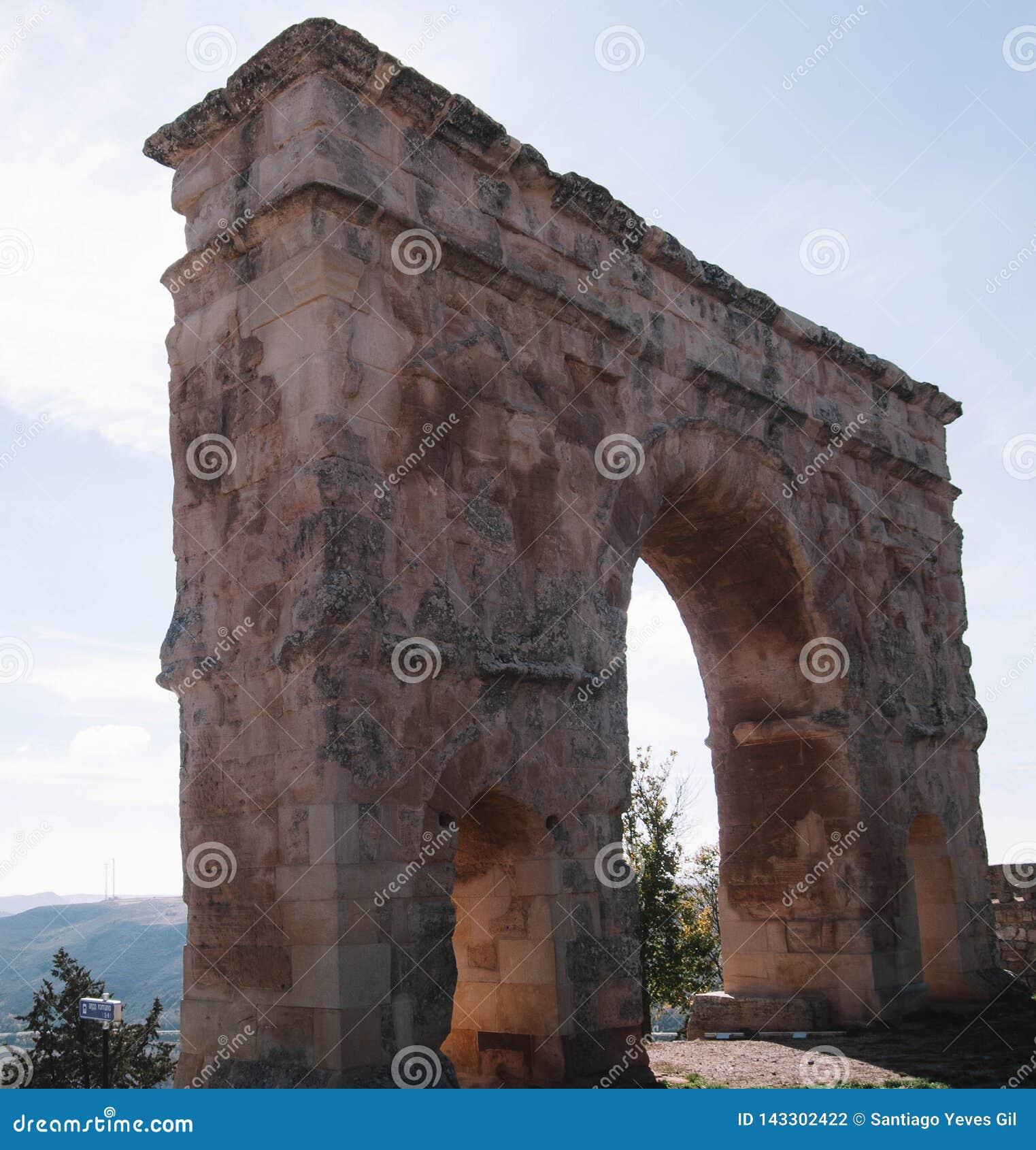 Roman boog medinaceli soria