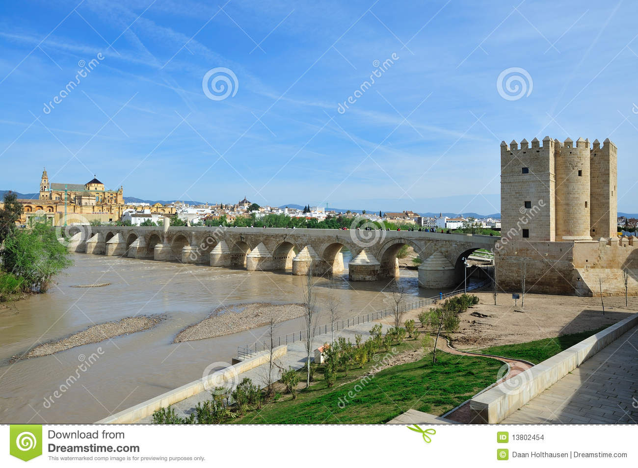 The Roman Bridge (Puente Romano)