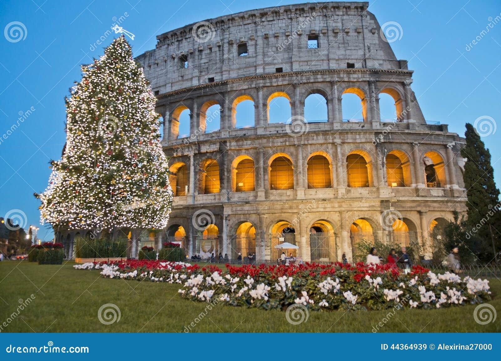 Roman Coliseum celebra il Natale