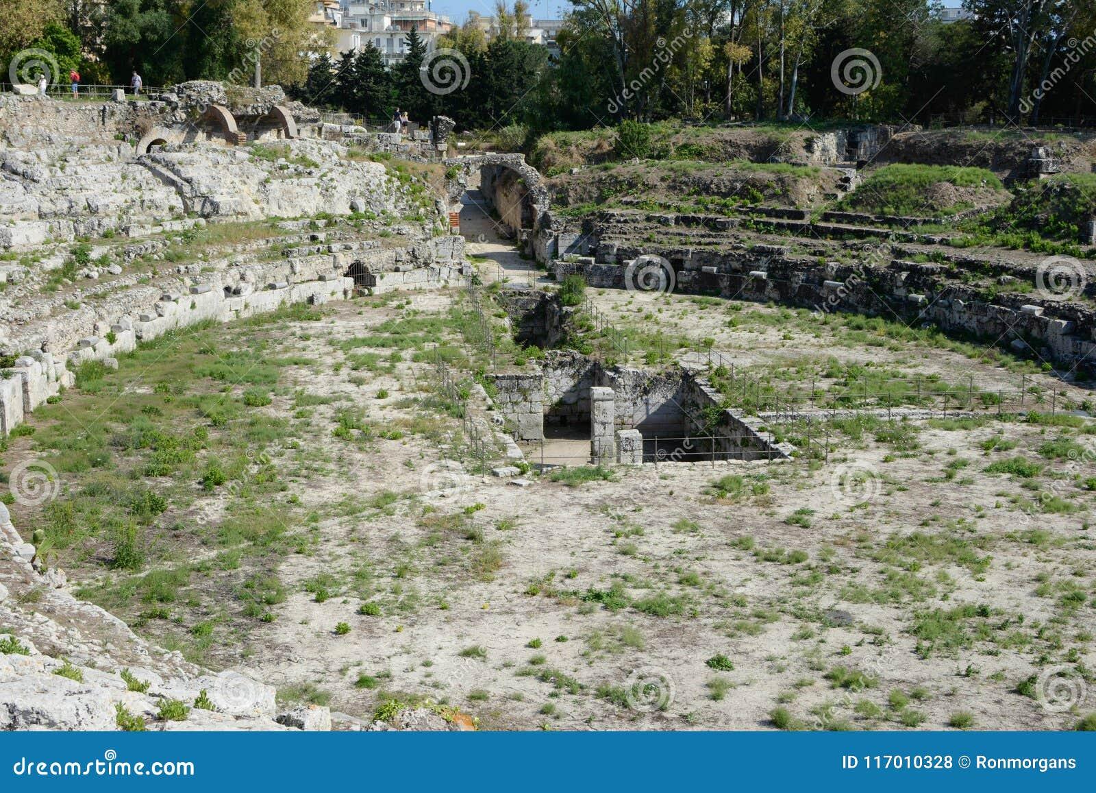 Roman Gladiatorial Ampitheatre In Syracuse Stock Photo Image Of