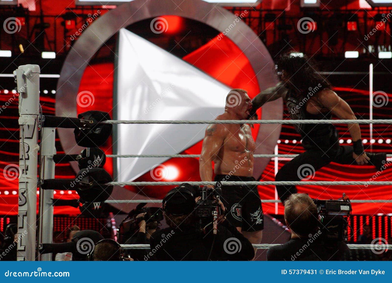 Roman Reigns-de Kampioen Brock Lesner van supermanstempels WWE in F