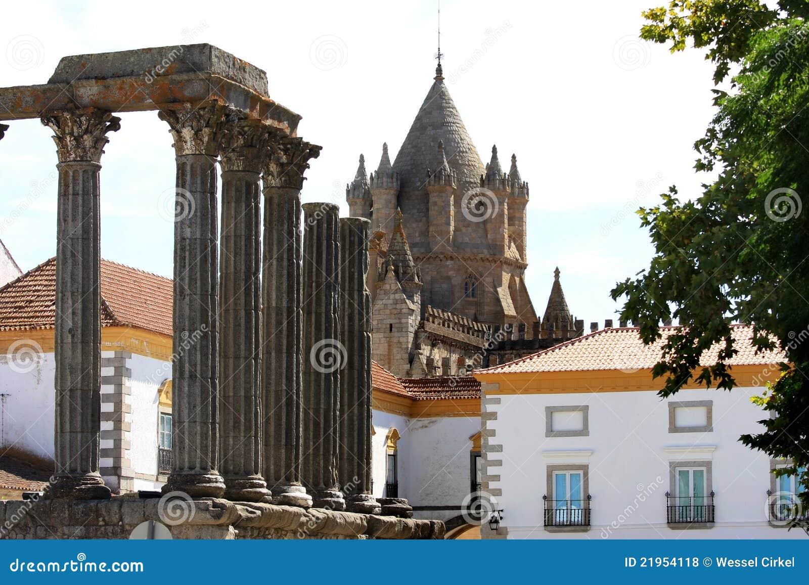 Roman Tempel en kathedraal in Evora, Portugal