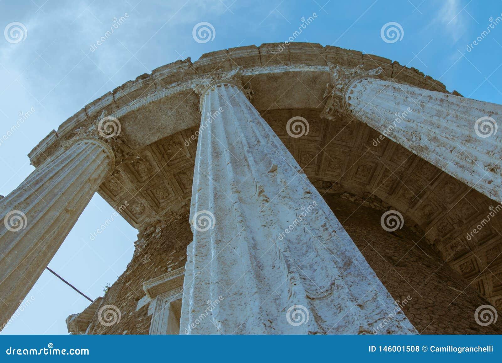 Roman tempel oude roman architectuur