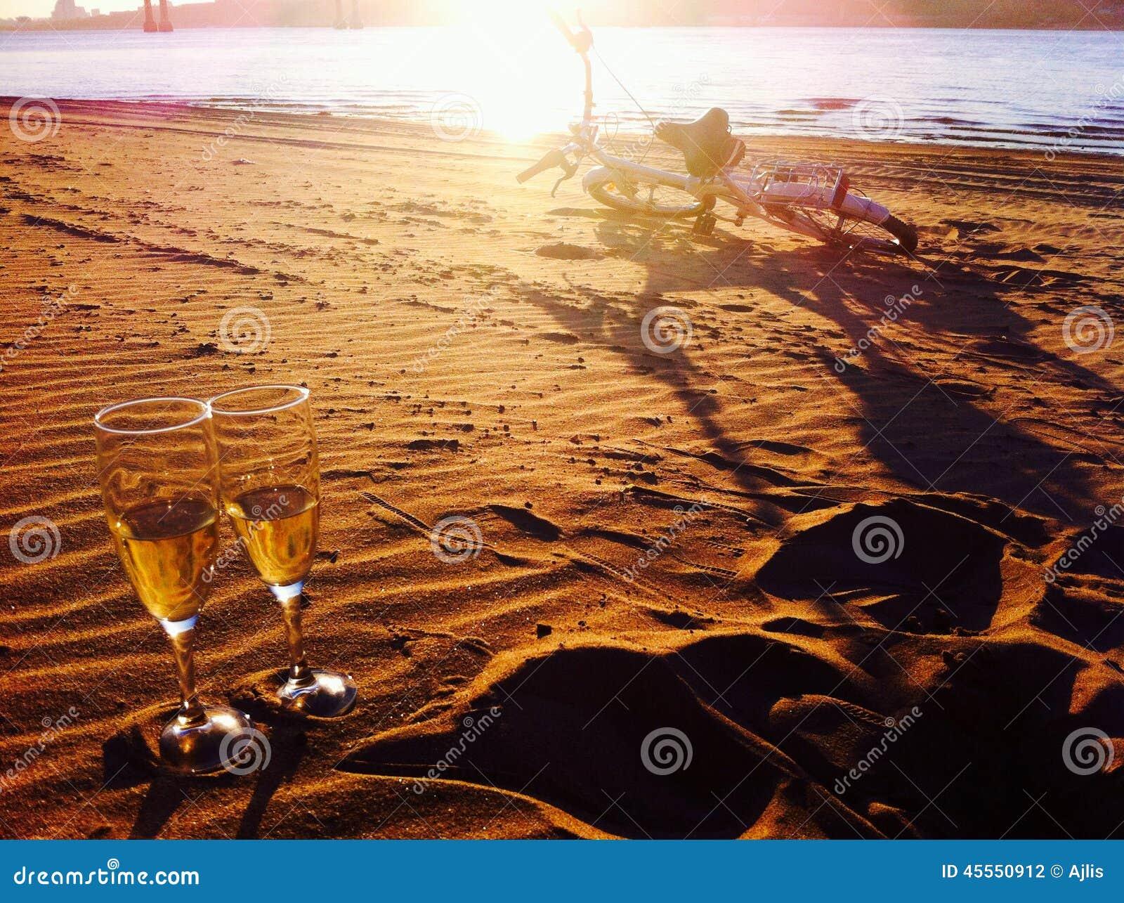 Romance auf dem Ufer
