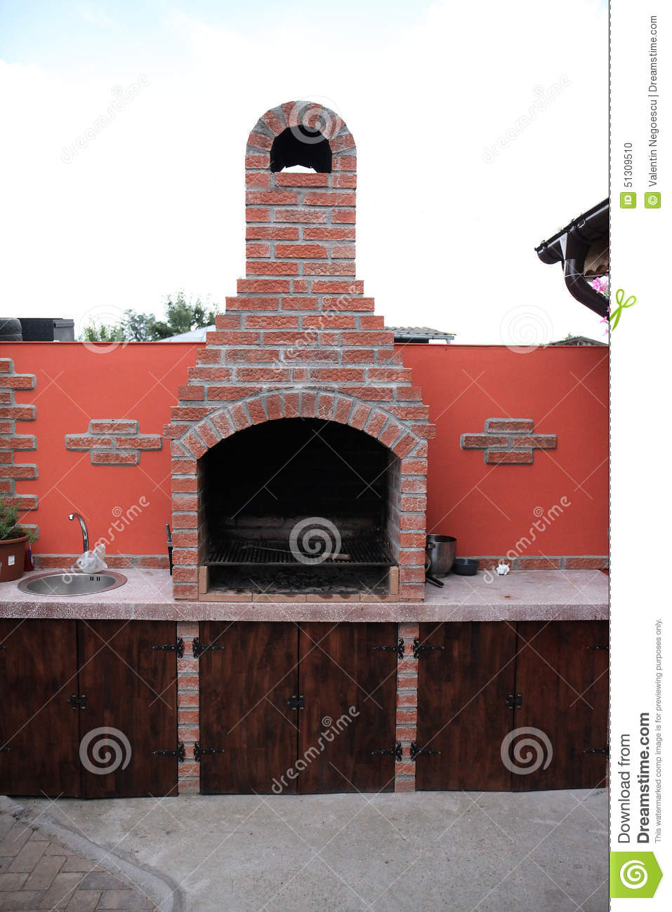 Brick Bbq With Chimney 110