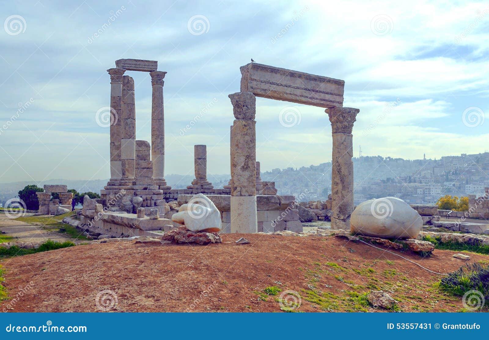 Matrimonio Romano Antico : Romano antico rimane immagine stock di