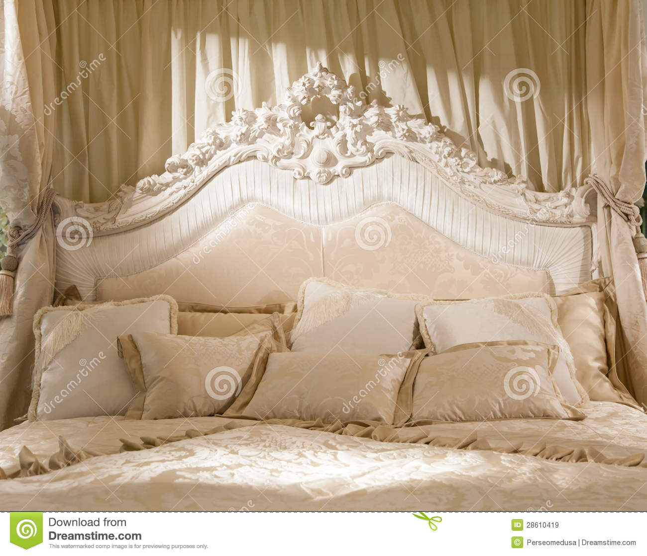 Romantic bedroom royalty free stock images image 28610419 for Romantic bedroom images