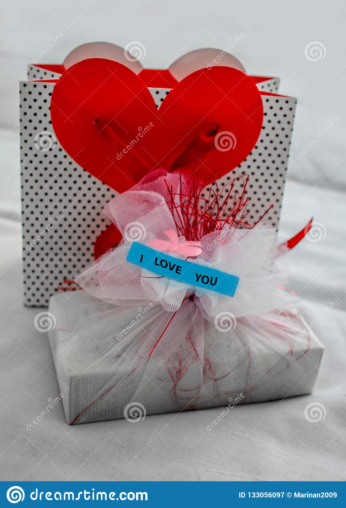 Gifts to give your girlfriend on birthday