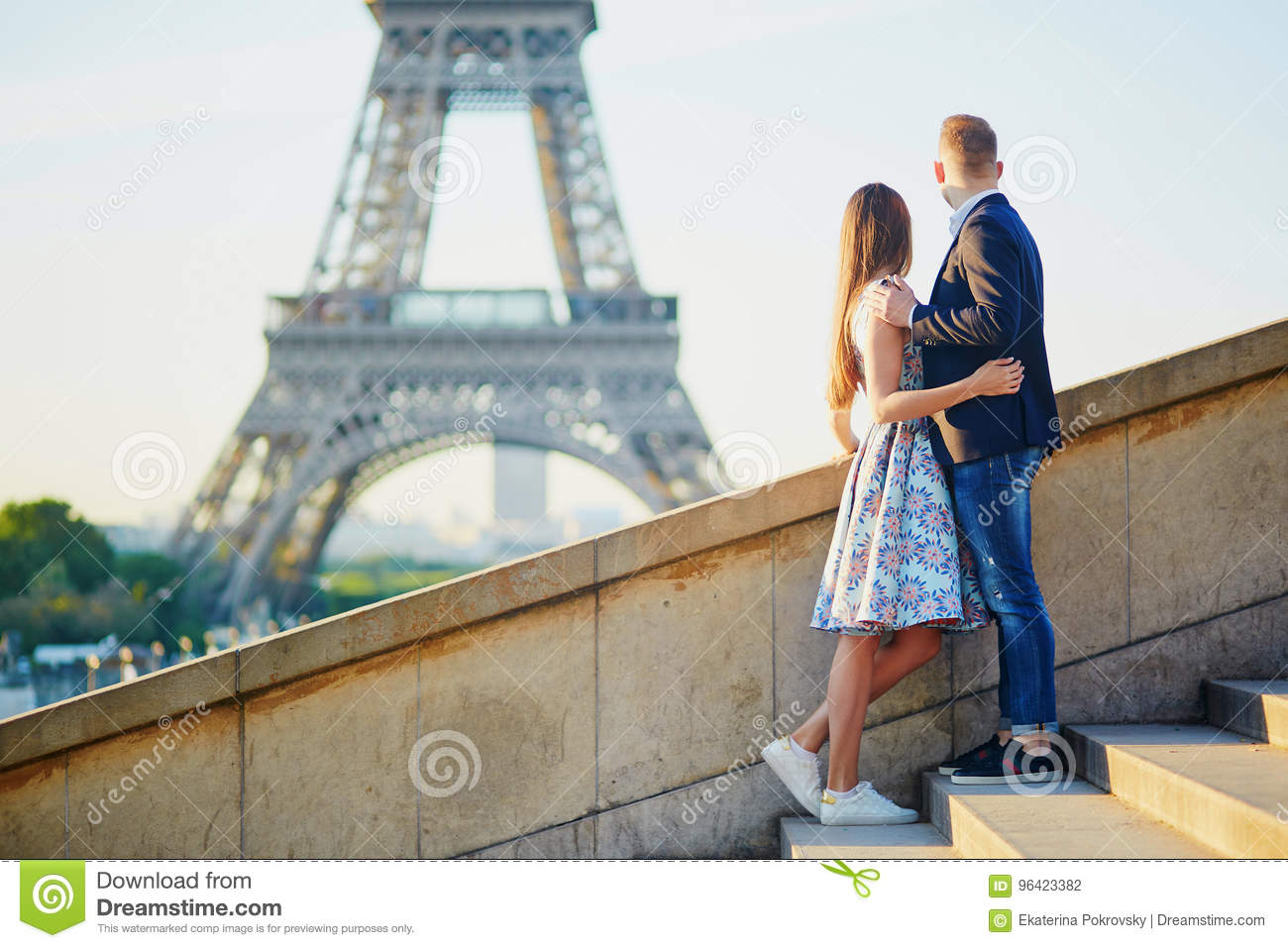 Romantic couple near the Eiffel tower in Paris