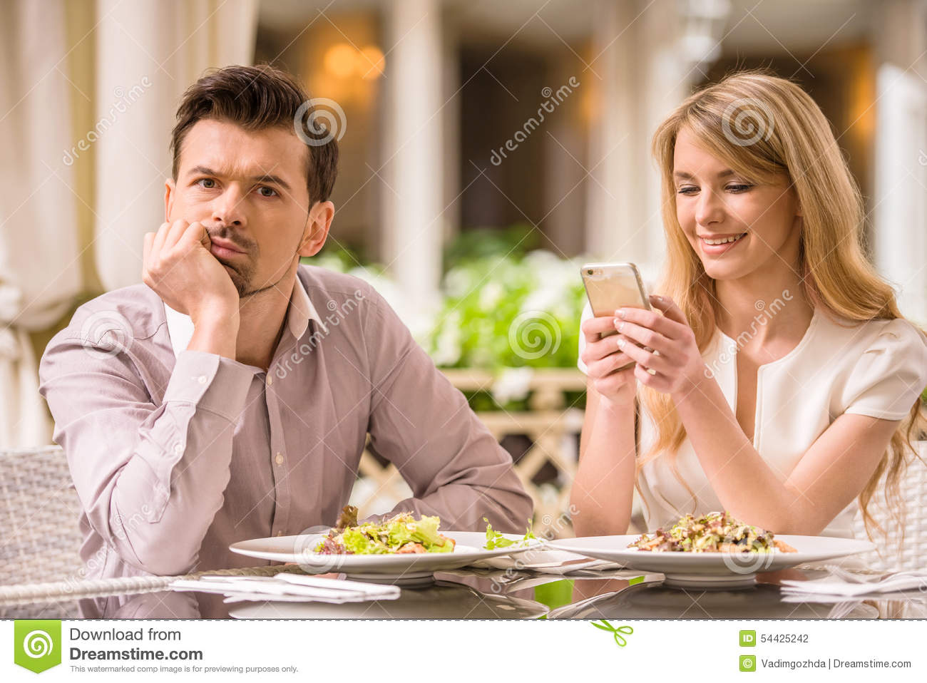 eater dating girl Table for two: picky eater dating by bethany imondi as a young girl, she always ordered a grilled sandwich when dining out with her mom and dad in restaurants.