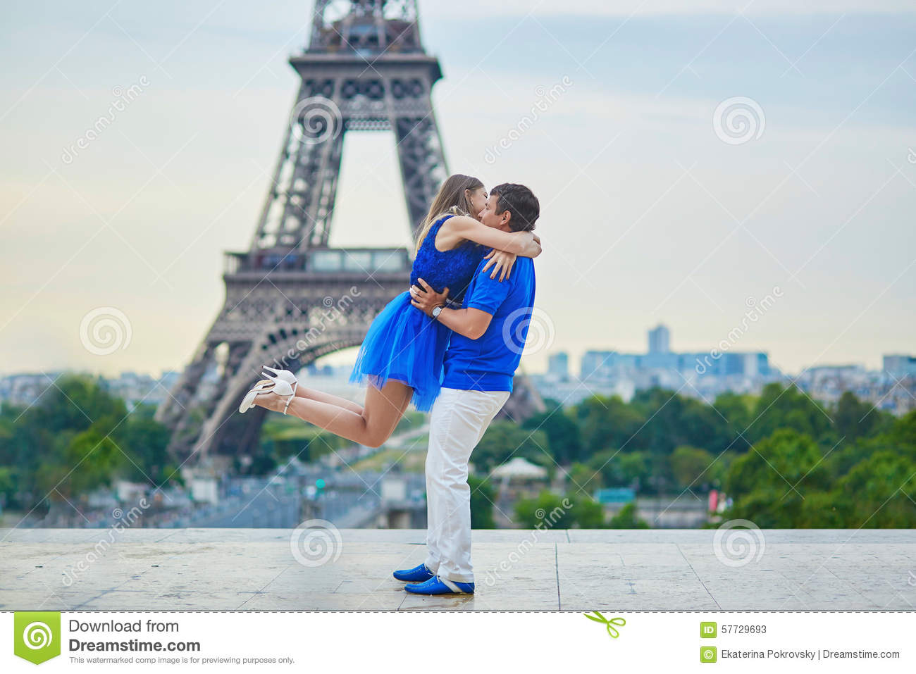 Paris dating dating your housemate