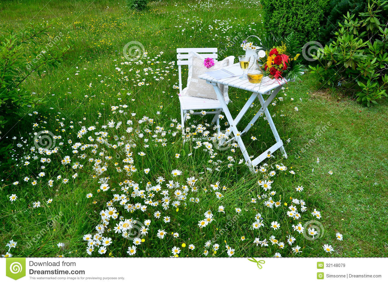 Romantic Garden Picnic Stock Image Image Of Romantic