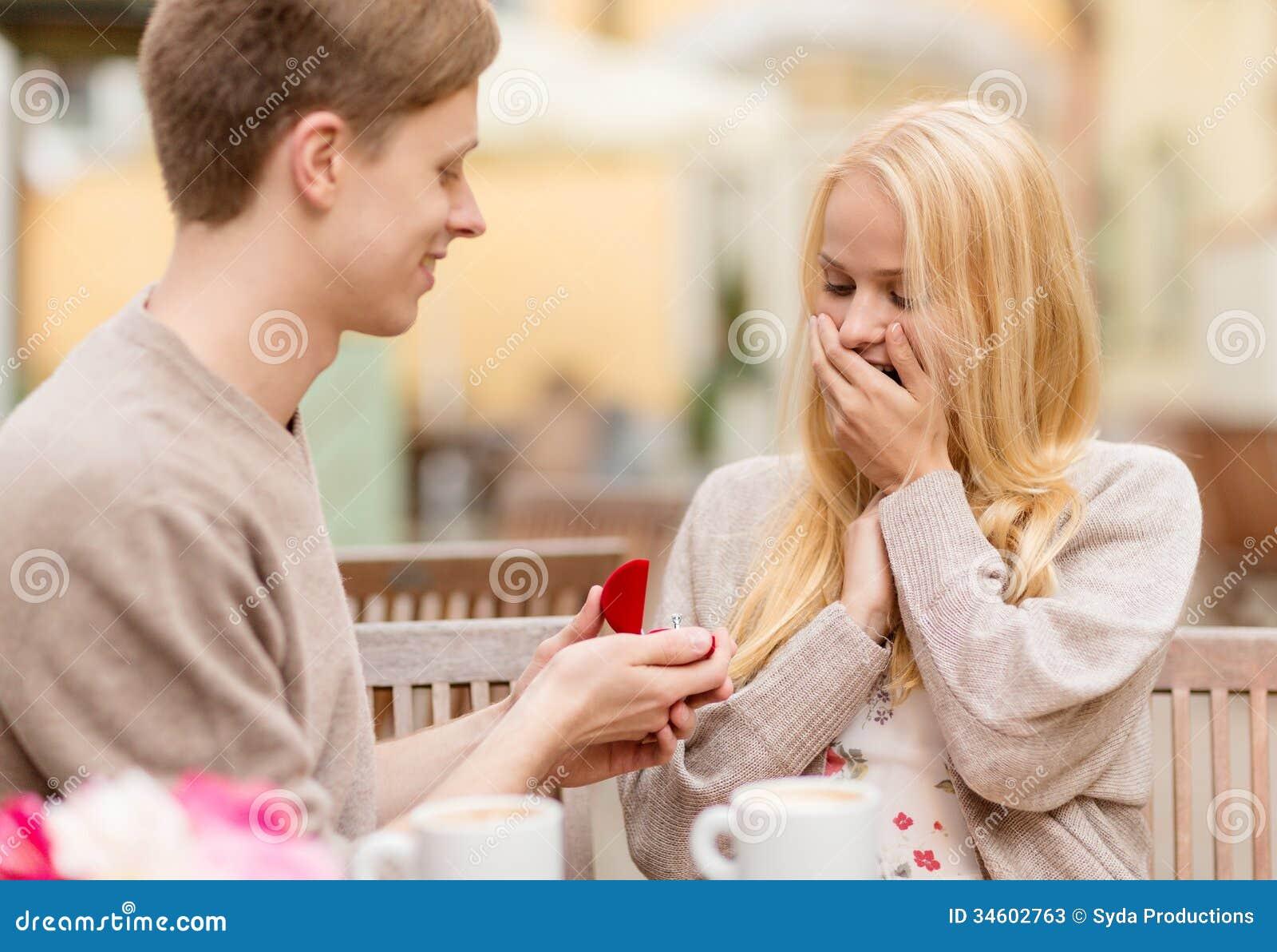Как в кафе сделать предложение девушке
