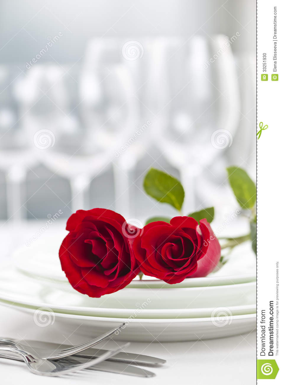Dinner table setting ideas romantic dinner table setting ideas - Romantic Restaurant Dinner Setting Stock Photo Image