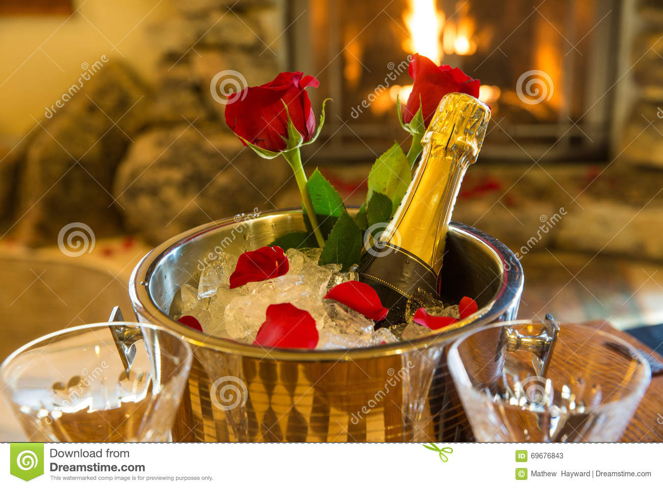 Romantic room with roses - Romantic Room With Champagne Bucket And Roses