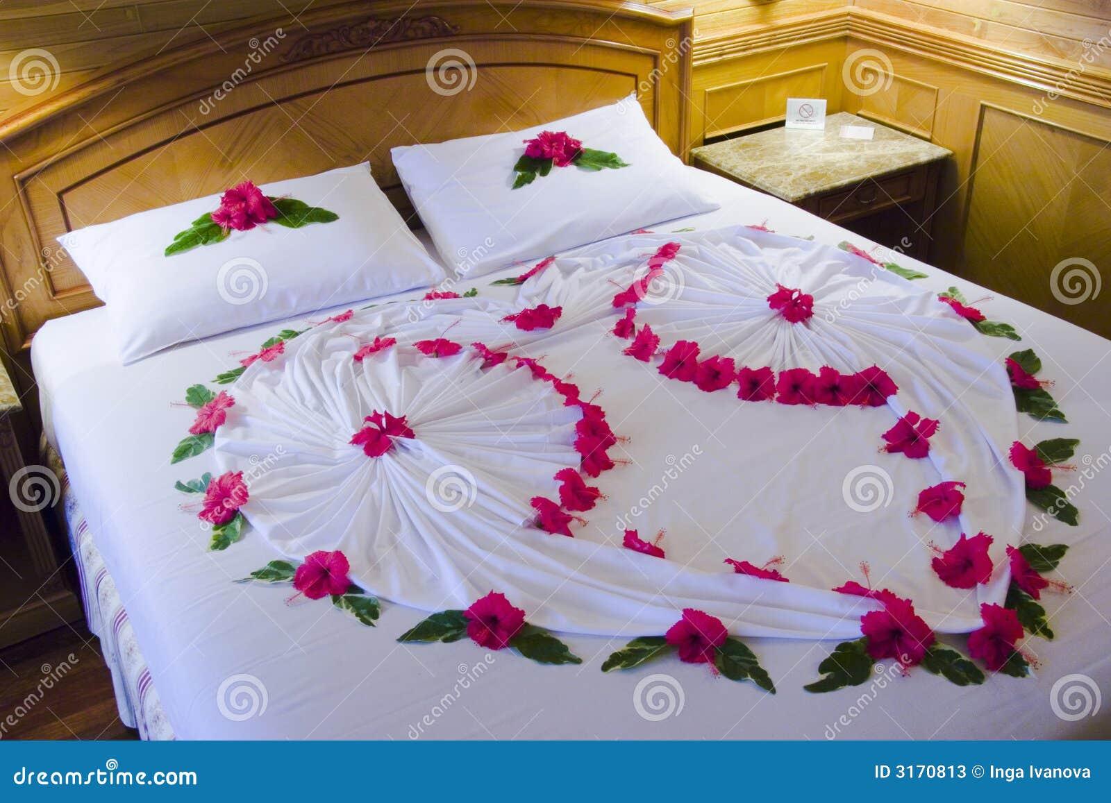 Romantisch Bed Stock Foto's - Afbeelding: 3170813