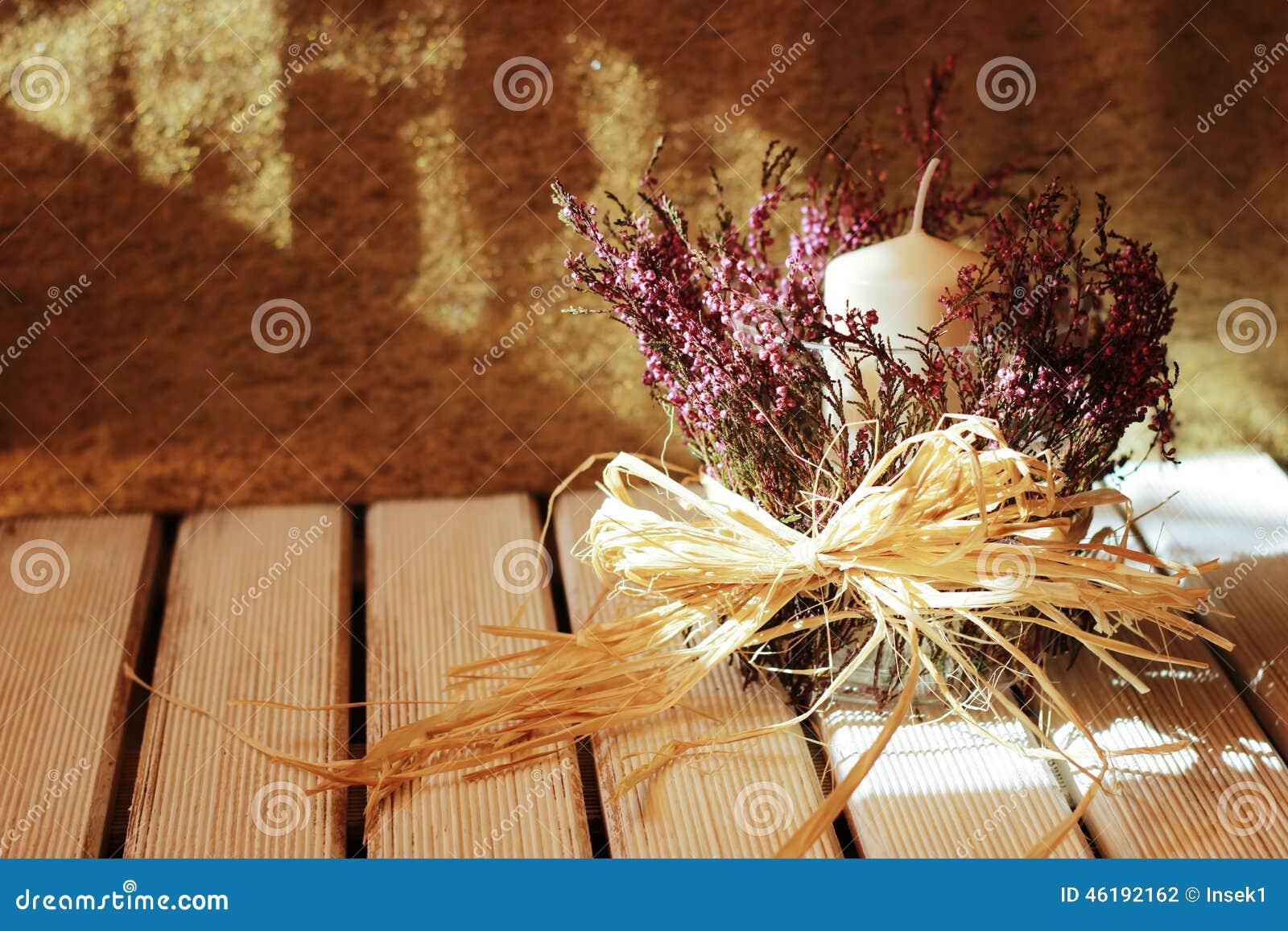 Romantische decoratie met haethers voor huis stock foto afbeelding 46192162 - Foto decoratie ...