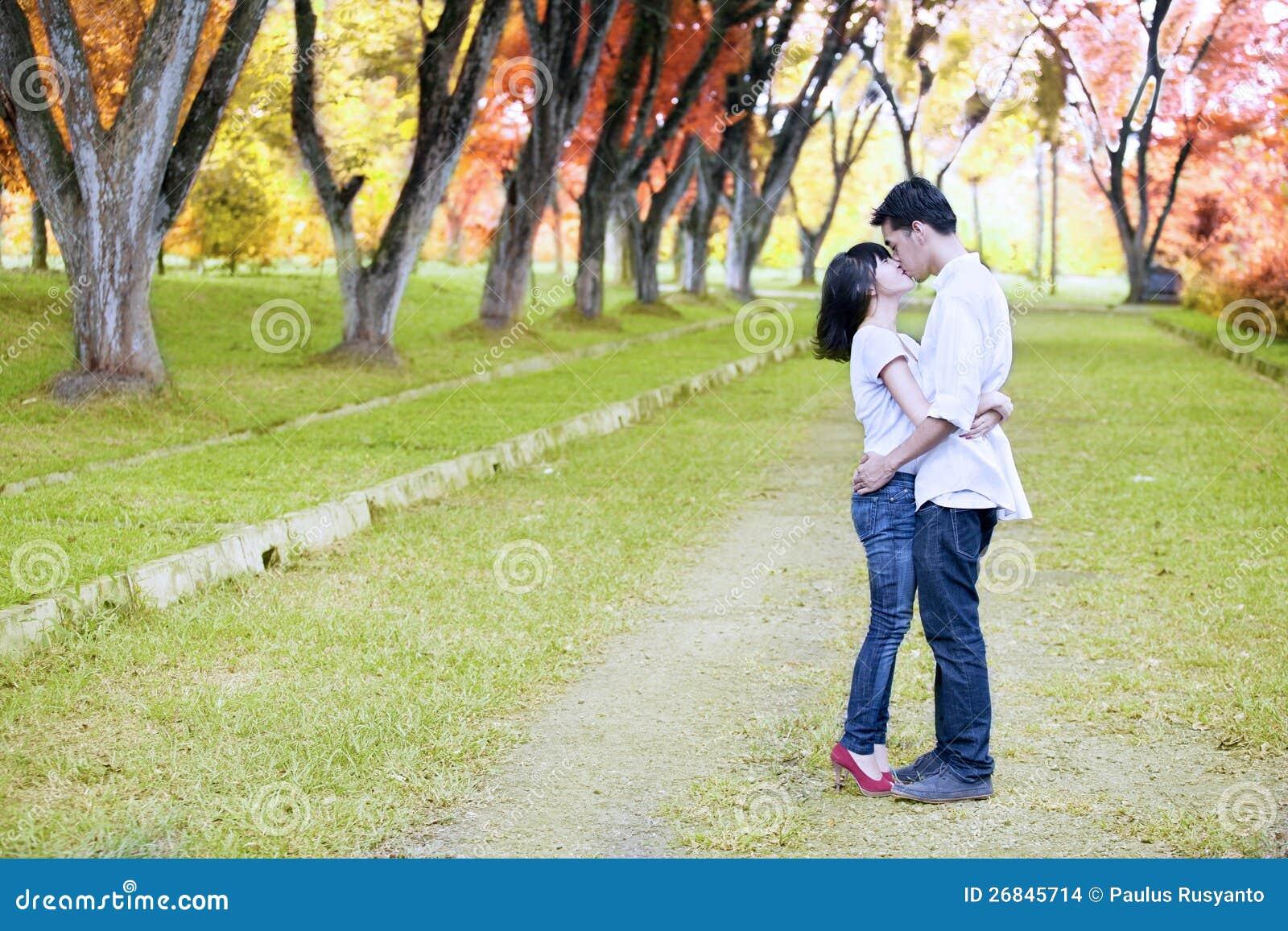 In unseren Küssen-Spielen kannst du dir deinen Schwarm einfach schnappen und ihn küssen – ganz ohne Herzschmerz oder Liebeskummer danach.