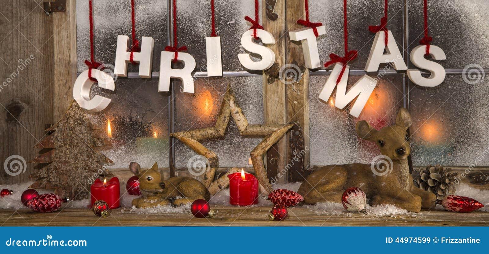 romantische weihnachtsdekoration mit kerzen im roten und wei en colo stockbild bild von. Black Bedroom Furniture Sets. Home Design Ideas