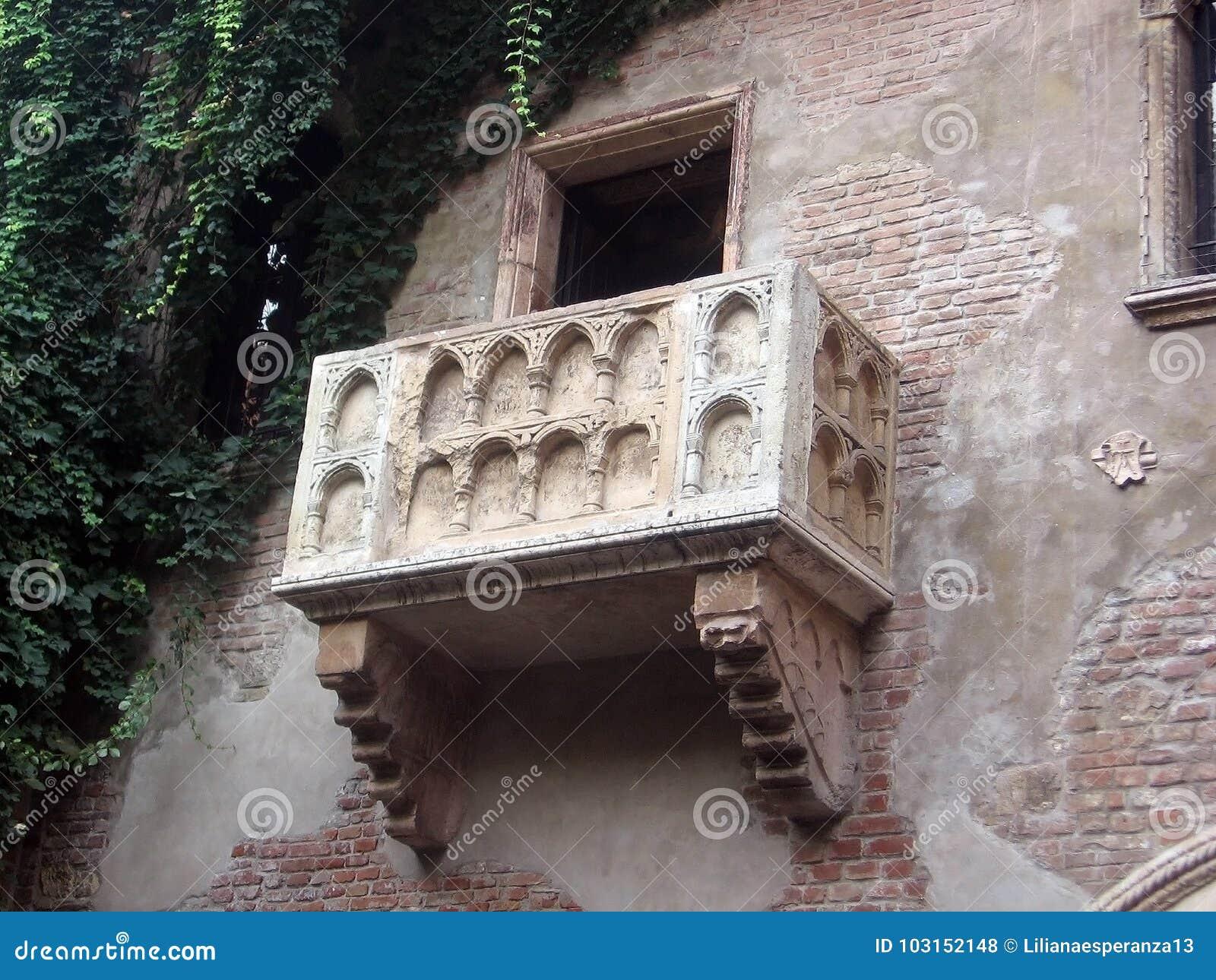 Romantischer Balkon Von Romeo Und Von Juliet In Verona Italy