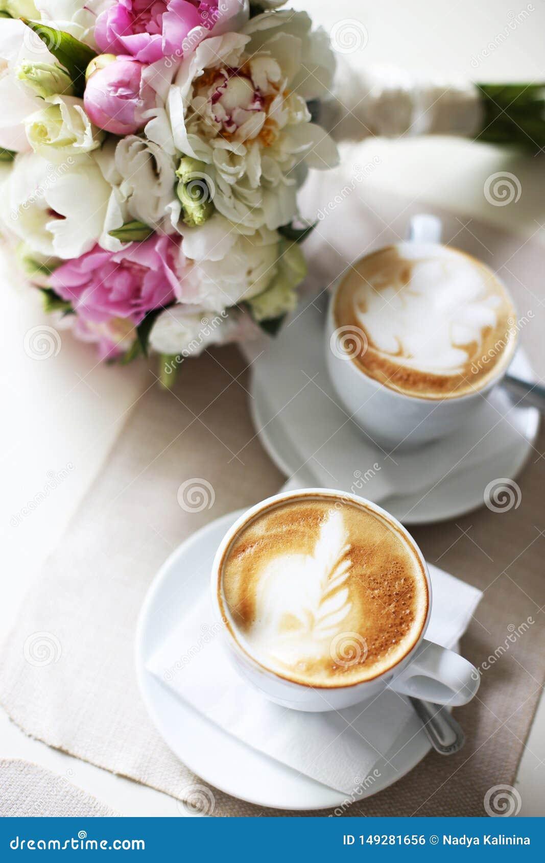 Romantisches Datum f?r einen Tasse Kaffee