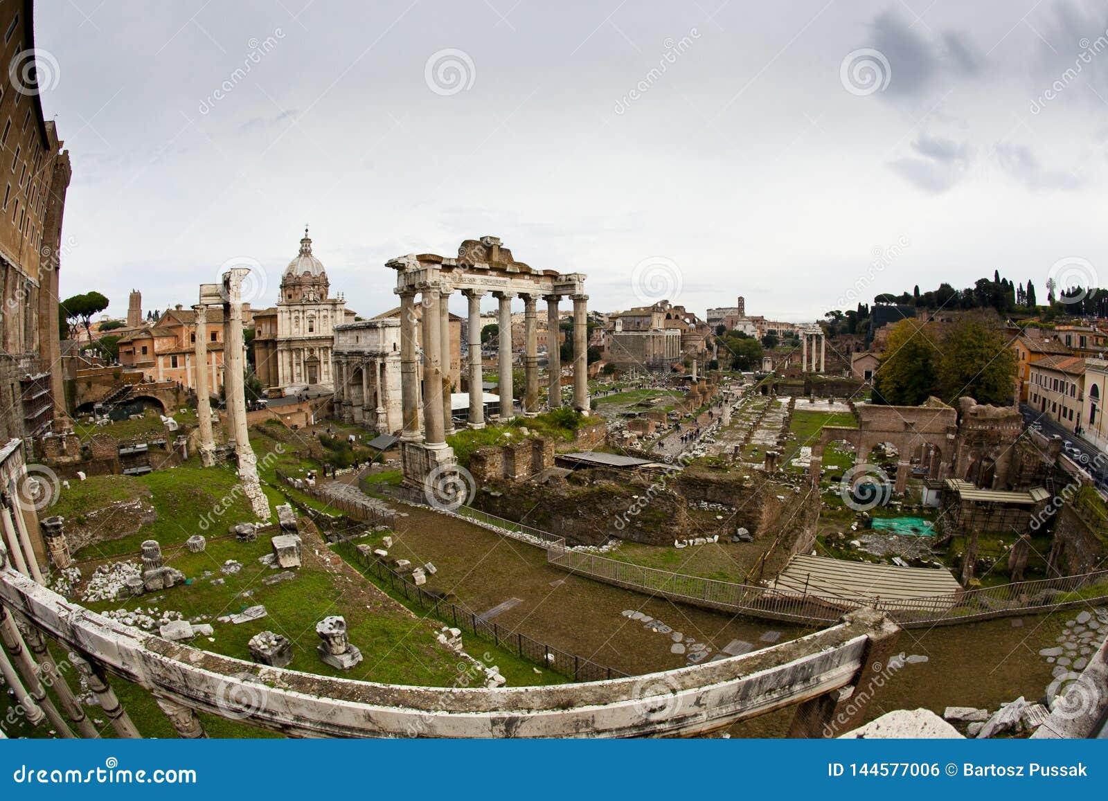 Φόρουμ Romanum στη Ρώμη Ταξίδι της Ιταλίας