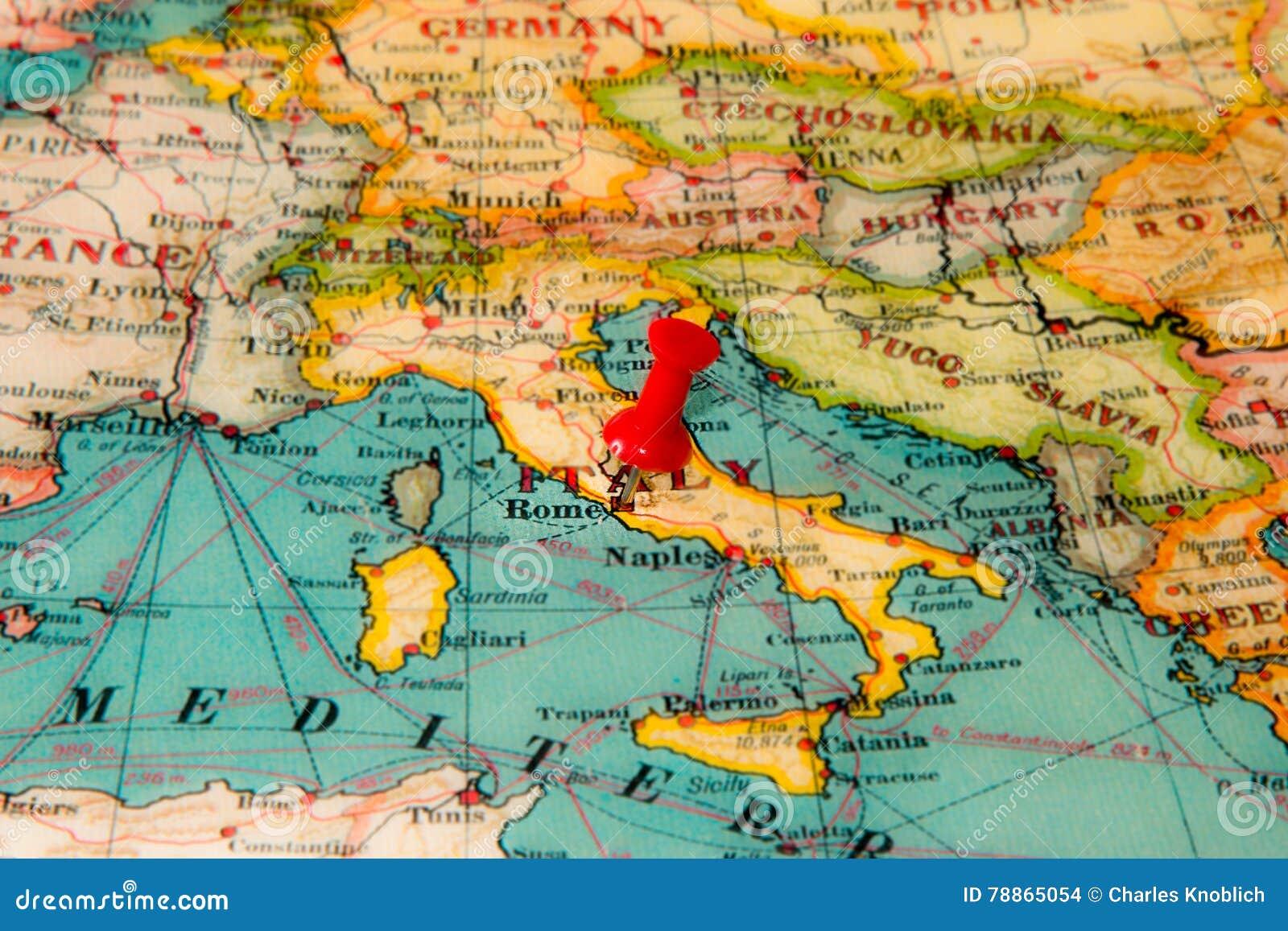Carte De Leurope Rome.Rome Italie A Goupille Sur La Carte De Vintage De L Europe