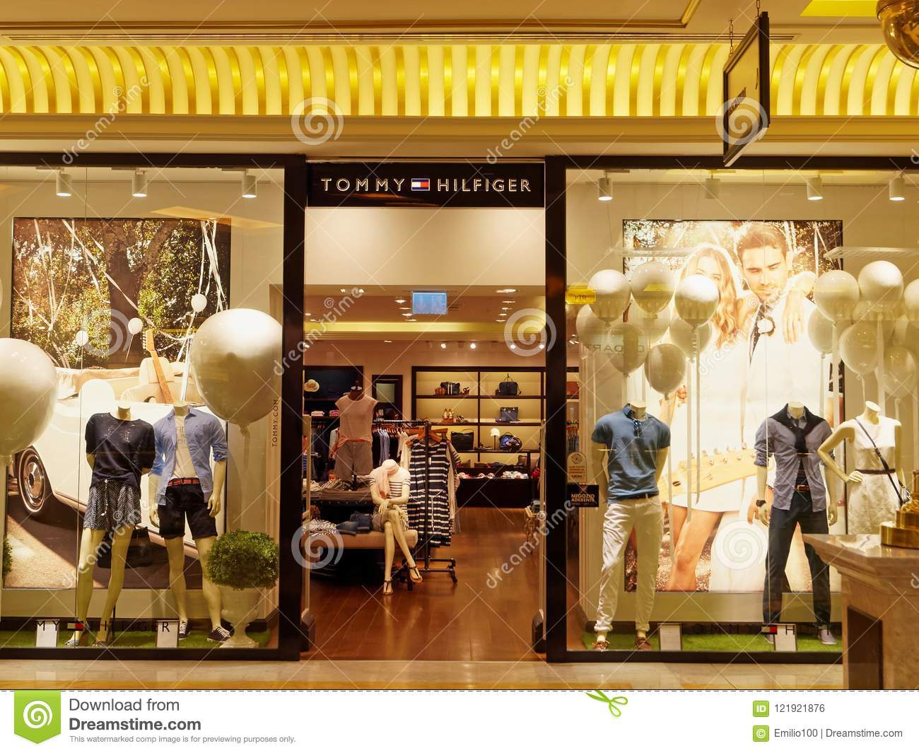 982fe347afa514 Tommy Hilfiger Store In Rome