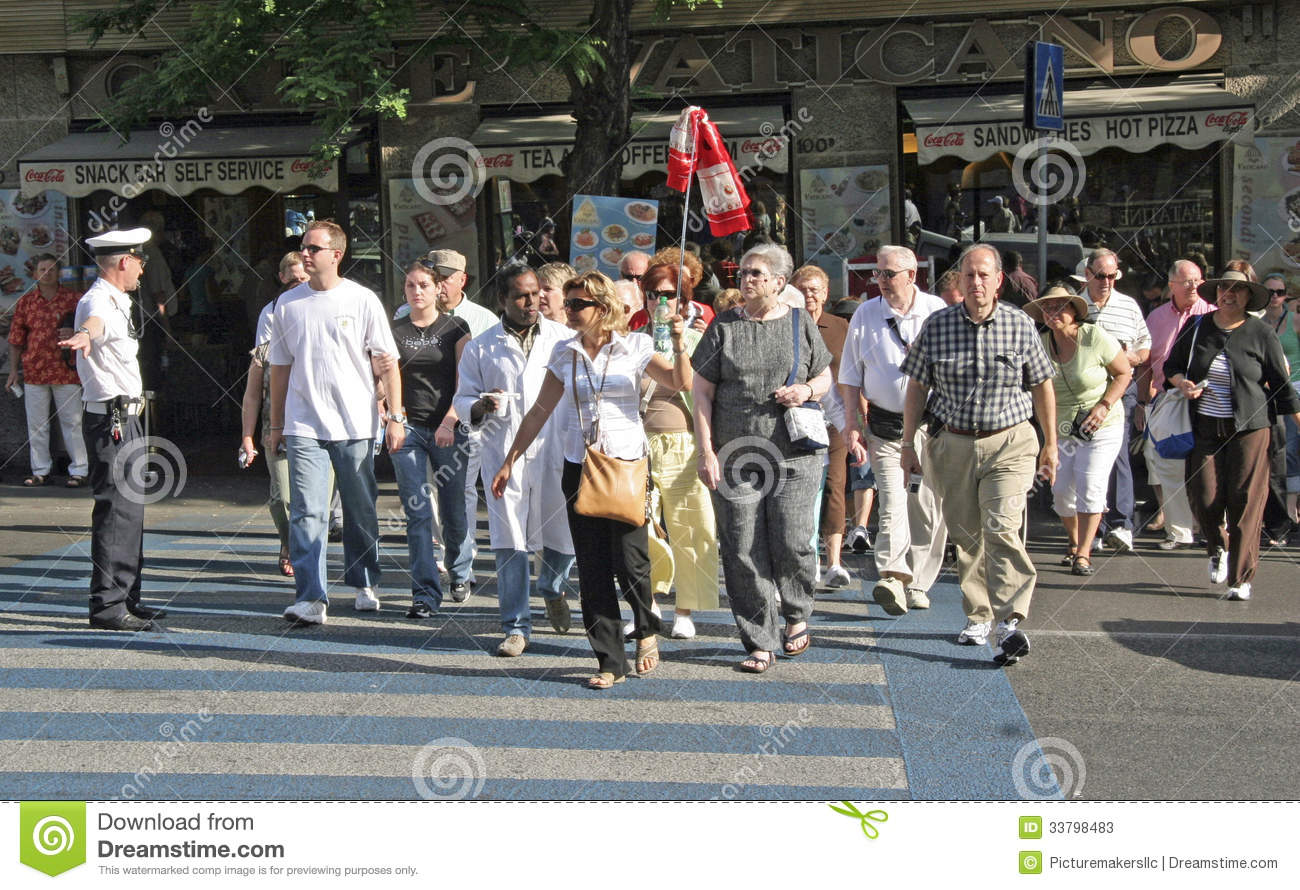 Rome italy tourist editorial stock photo image 33798483 for Police tours