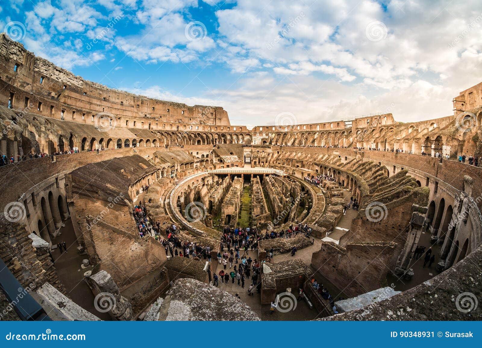https://thumbs.dreamstime.com/z/rome-mars-int%C3%A9rieur-du-colis%C3%A9-de-colosseum-%C3%A9galement-90348931.jpg